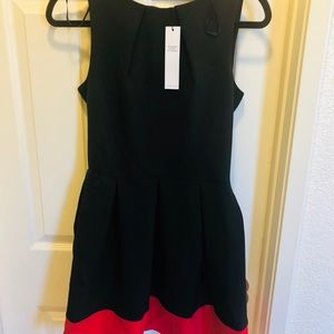 Closet. London NWT red and black mini
